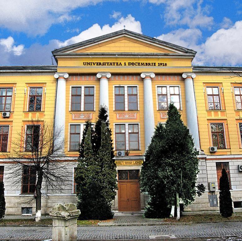 """FOTO: Două corpuri de clădire ale Universității """"1 Decembrie 1918"""" din Alba Iulia se modernizează cu fonduri europene"""