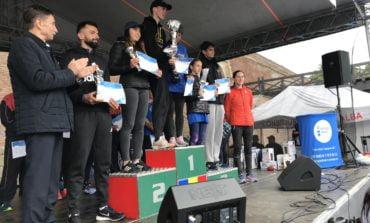 FOTO-VIDEO: Peste 900 de persoane au alergat la Crosul Europei de la Alba Iulia. Mamă și fiu din Mediaș, pe primul loc
