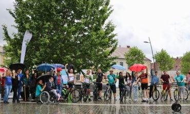 FOTO: Ștafeta Ciclistă SM și-a încheiat traseul la Alba Iulia, de Ziua Mondială a Sclerozei Multiple