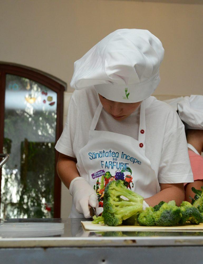 """Aproape 650 de elevi din Alba-Iulia vor învăța despre alimentația sănătoasă prin programul Selgros """"Sănătatea începe din farfurie"""""""