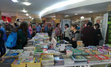 FOTO-VIDEO: S-a deschis Târgul de Carte Alba Transilvana. Trei zile cu lansări de carte, expoziții, concerte și alte surprize