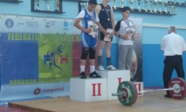 FOTO: CS Unirea Alba Iulia – trei medalii de argint la Campionatul Național de Haltere U 12 și U 15