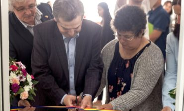 FOTO: Bibliotecă școlară în limba germană inaugurată la Petrești