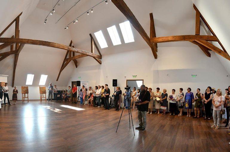 FOTO: Elena Cristea și Cartea Magică – Expoziție eveniment la Museikon