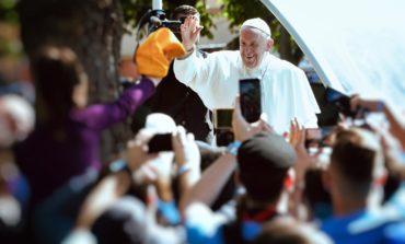 Lumina Papei Francisc. La mica Romă
