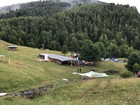 FOTO: La Știubei, festivalul de voie bună din vârful muntelui! Aventură în Munții Apuseni