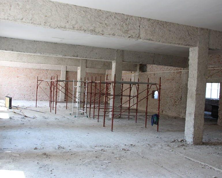 """FOTO: Ample lucrări de reabilitare şi modernizare la Colegiul Național Militar """"Mihai Viteazul"""" Alba Iulia"""