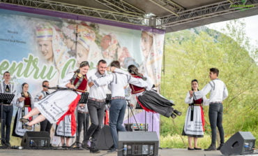 """FOTO: Festivalul - concurs """"Cultură pentru Cultură"""" – premii acordate minorităților naționale din județul Alba pentru păstrarea tradițiilor și obiceiurilor"""