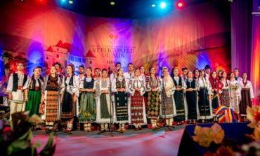 """Festivalului Național de Folclor """"Strugurele de Aur"""" a ajuns la cea de-a XIX-a ediție.  Luni au loc preselecțiile"""