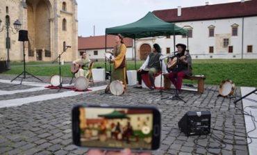 FOTO: Specimen Teatro au deschis Zilele Medievale ale Bălgradului cu un concert de muzică medievală. Programul pentru sâmbătă