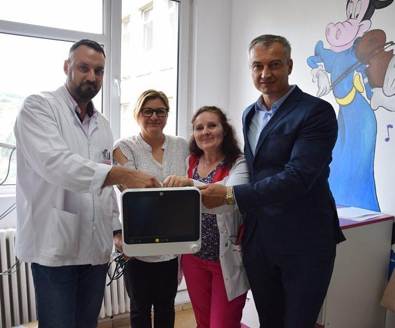 FOTO: Aparat pentru monitorizarea funcțiilor vitale, donat Spitalului Județean de Urgență Alba Iulia de Camera Executorilor Judecătorești și Asociația S.A.H. 2013
