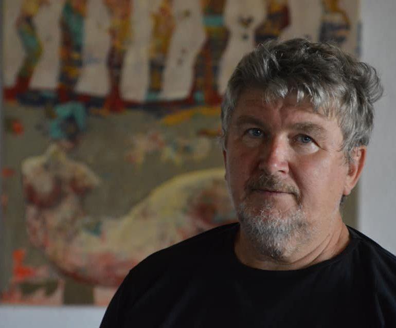 """Un cavaler al artelor plastice la Castelul Corvinilor: Expoziţia de artă Lojze Kalinšek (Slovenia) – """"Anatomia Mitologiei"""""""