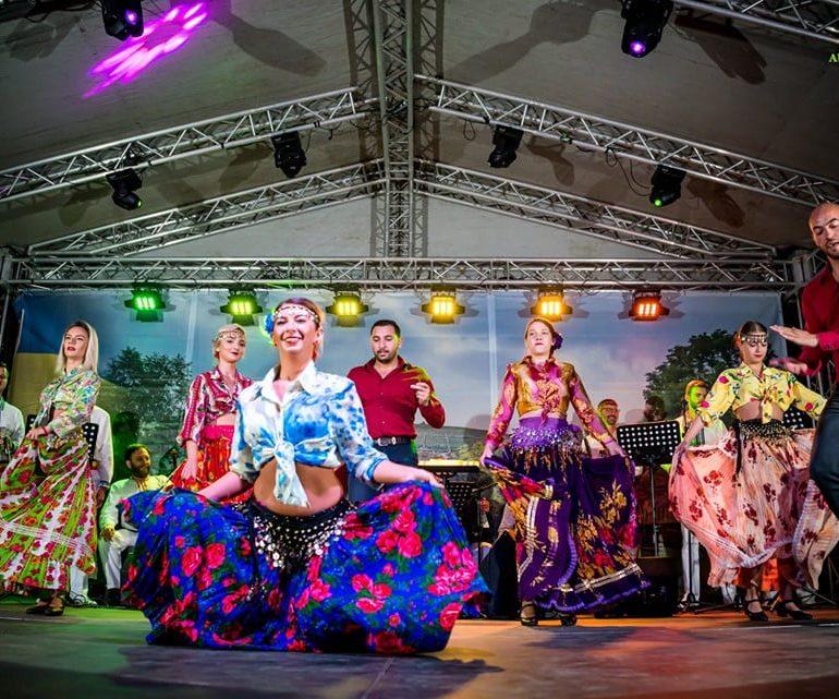FOTO: Școala de Arte și Meșteșuguri din Alba la Semicentenar – sute de oameni implicați în organizarea celui mai mare eveniment cultural multiart