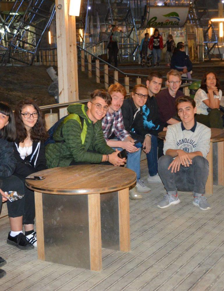 FOTO: Colaborare între tinerii entuziaști și pregătiți în spirit european, din Regiunile Centru și Vest