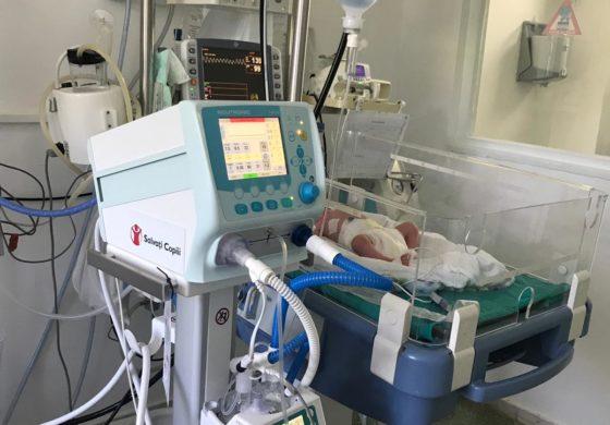 Salvați Copiii accelerează dotarea maternităților: Maternitatea Alba Iulia va primi primul ventilator neonatal, vital pentru salvarea prematurilor