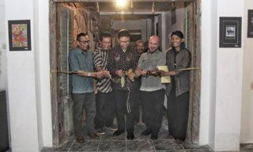 """FOTO: """"Impresii culturale"""", expoziție Inter-Art Aiud, în Indonezia"""