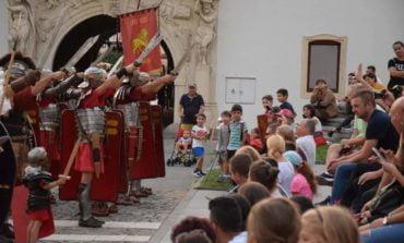 Sâmbătă: 7 ani cu Garda Apulum. Spectacol aniversar, în Piața Cetății din Alba Iulia