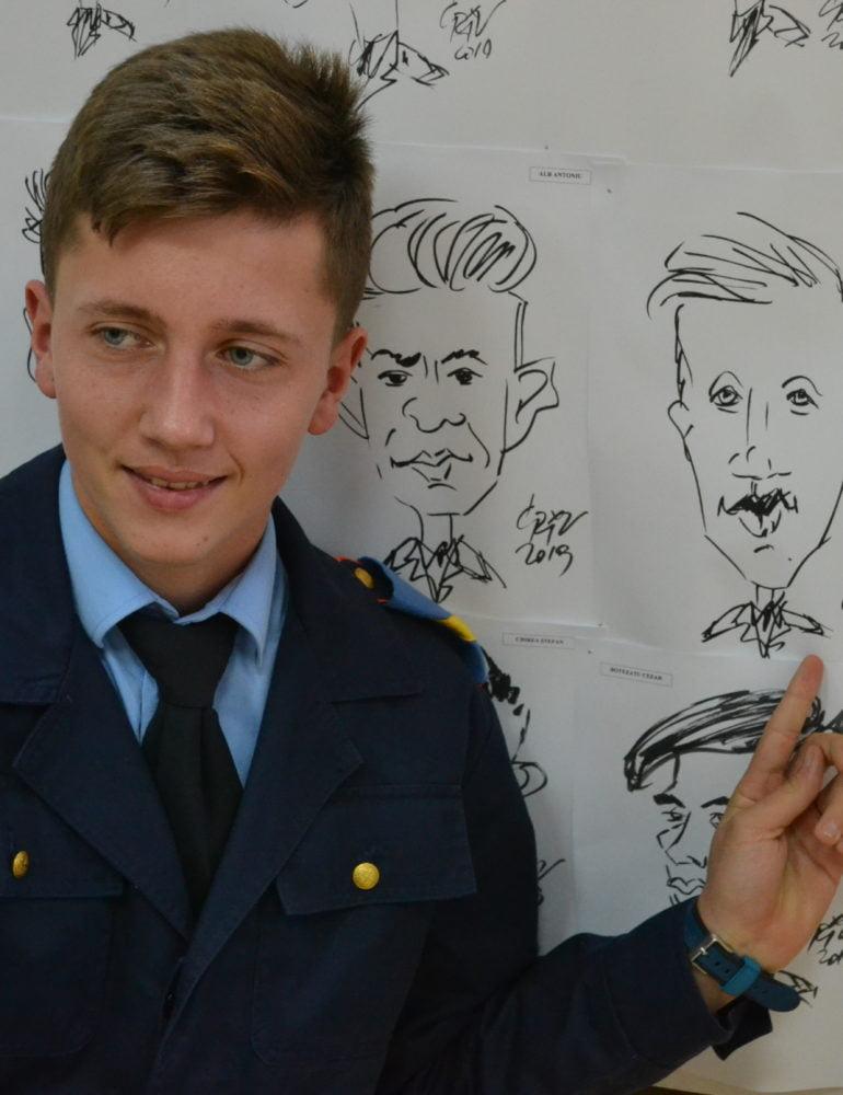 FOTO-VIDEO: Peste 400 de caricaturi ale elevilor militari, un cadou inedit la Centenar
