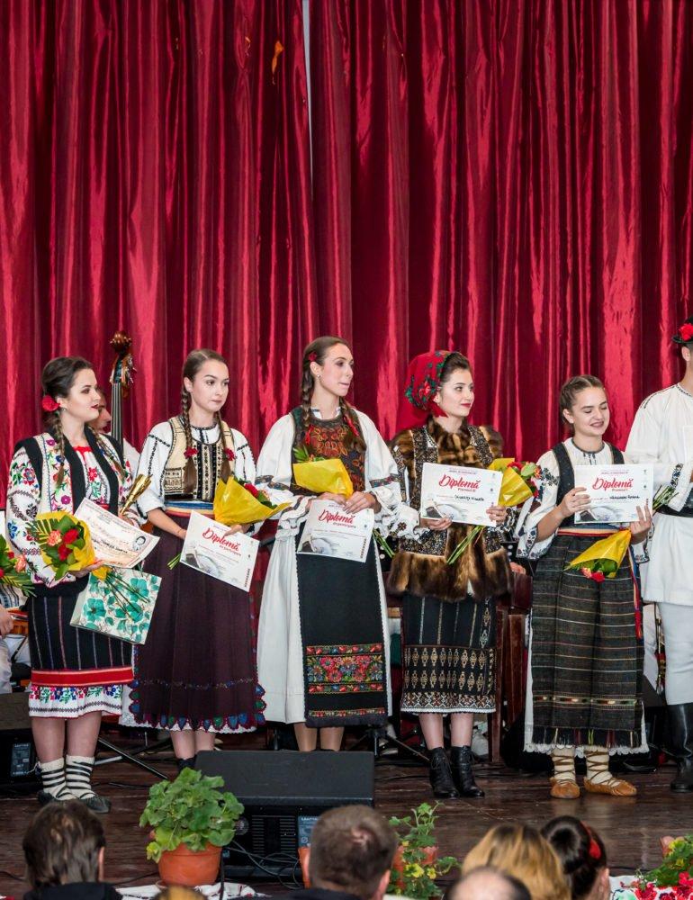 """FOTO: Festivalul Național de Folclor """"Mureș, pe marginea ta"""": Cristina Todor din Ciugud a câștigat Marele Premiu al festivalului"""