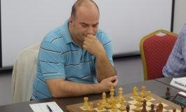 FOTO: Misa Pap (Serbia) este primul lider în Openul Internaţional al României la şah. Moksh Amit Doshi (India) a obţinut ieri titlul de maestru internațional