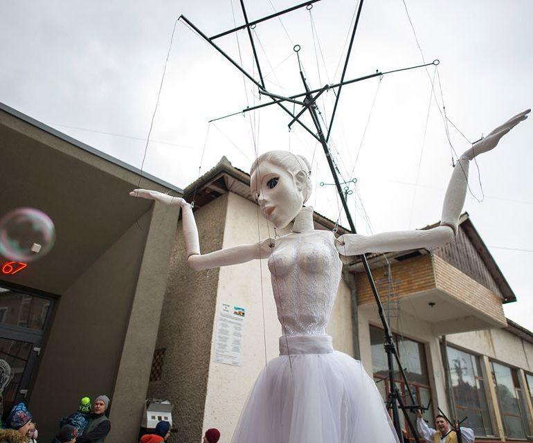 """Teatrul de Păpuși """"Prichindel"""" din Alba Iulia are o nouă înfățișare"""