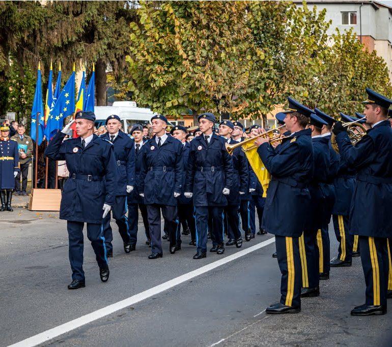 """FOTO: Colegiul Naţional Militar """"Mihai Viteazul"""" Alba Iulia la centenar – 100 de ani de învăţământ militar în inima Transilvaniei"""