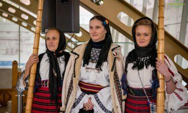 """Patru păstrători ai patrimoniului cultural și ai tradițiilor românești au fost premiați la """"Gala Tezaure Umane Vii din județul Alba"""""""