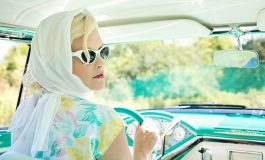 SFATURI PRACTICE PENTRU FEMEI: 5 pași simpli pentru schimbarea anvelopelor sparte