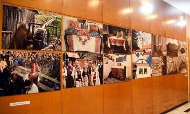 Expoziția de fotografie a artistului Balog Zoltán, de la Centrul Cultural Liviu Rebreanu Aiud, despre satul Rimetea – Torockó