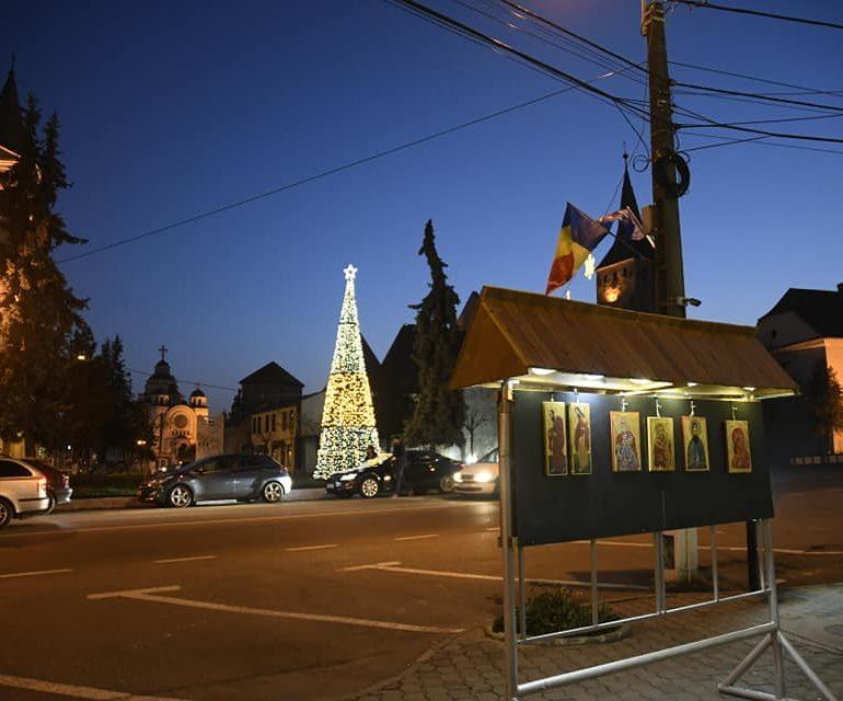 Bucuria Crăciunului, o expoziție dedicată icoanei, la Aiud