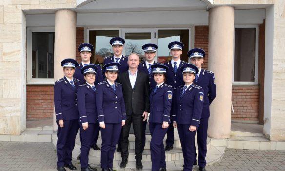 Zece tineri polițiști, absolvenți ai Școlilor de Agenți de Poliție, și-au început activitatea la IPJ Alba