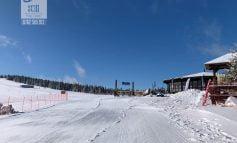 Sfârșit de săptămână plin de zăpadă pe pârtiile de la Domeniul Schiabil Șureanu