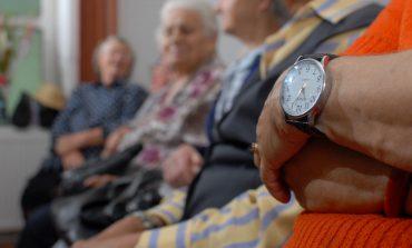 Noi reguli pentru persoanele de peste 65 de ani! Când au voie să iasă din casă