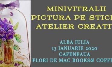LUNI: Atelier de pictură pe sticlă la Flori de mac Books & Coffee