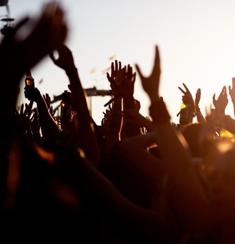 În 2020 vor fi peste 12 concerte și festivaluri în România! Cum te poți pregăti de acum pentru ele?