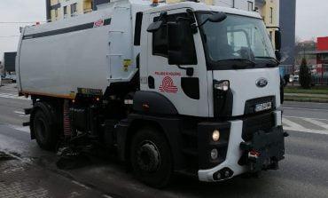 Curățenia generală de primăvară demarată de Primăria municipiului Alba Iulia și Polaris M Holding continuă