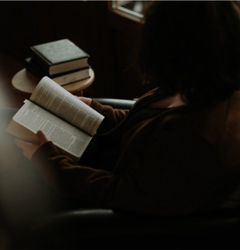 6 romane-thriller care te vor ţine în permanenţă în suspans