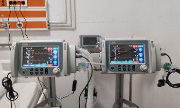 """Spitalul Județean de Urgență a intrat în posesia a trei """"plămâni mecanici"""", din totalul de 10 ventilatoare achiziționate de Primăria Alba Iulia"""