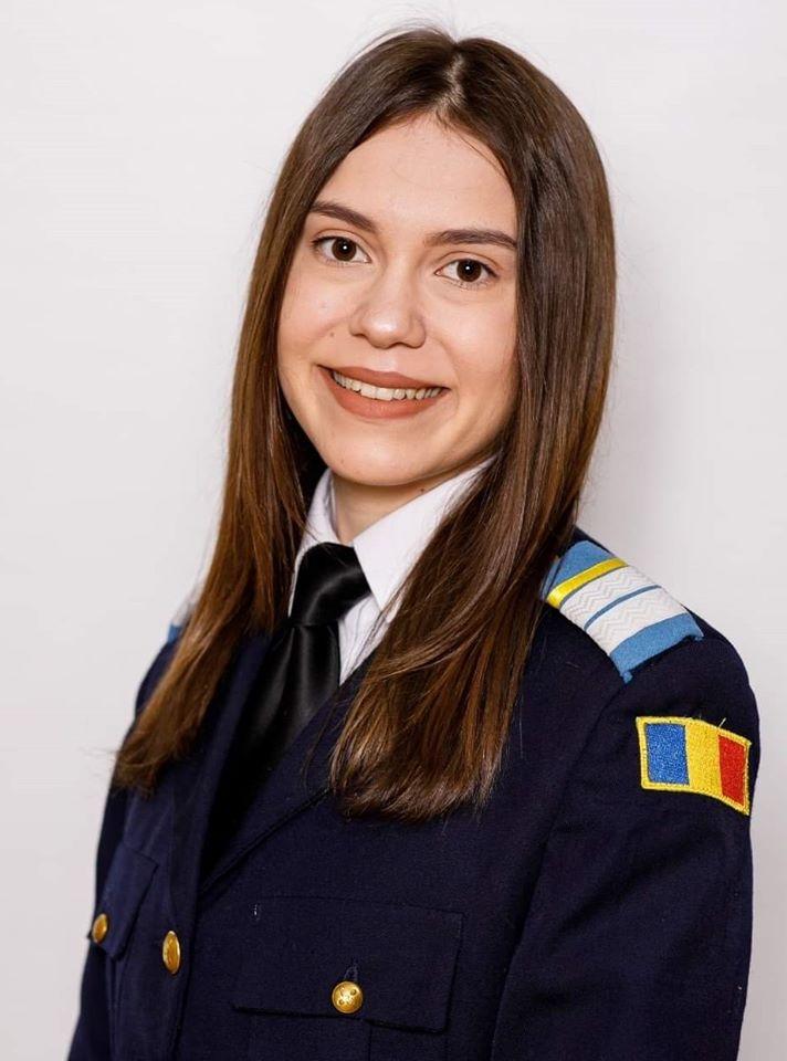 Premiul II la un concurs de interpretări critice pentru absolventa Colegiului militar din Alba Iulia, Ruxandra Dobre