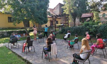 """La Sebeș a început cea de-a IV-a ediție a """"Bibliotecii de Vacanță"""""""