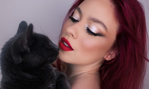 Despre make-up și frumusețe cu Luminița Moldovan, o tânără din Alba Iulia care uimește cu talentul ei