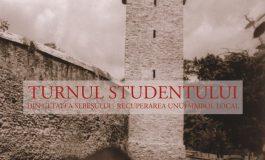 """Sâmbătă: Expoziția """"Turnul Studentului din cetatea Sebeşului – recuperarea unui simbol local"""", în Parcul Tineretului din Sebeș"""