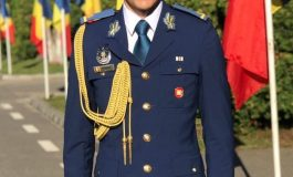 Șef de promoție la colegiul militar în 2017, șef de promoție la academie în 2020