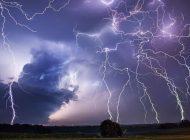 Cod GALBEN de furtună, descărcări electrice și ploi în vestul județului Alba