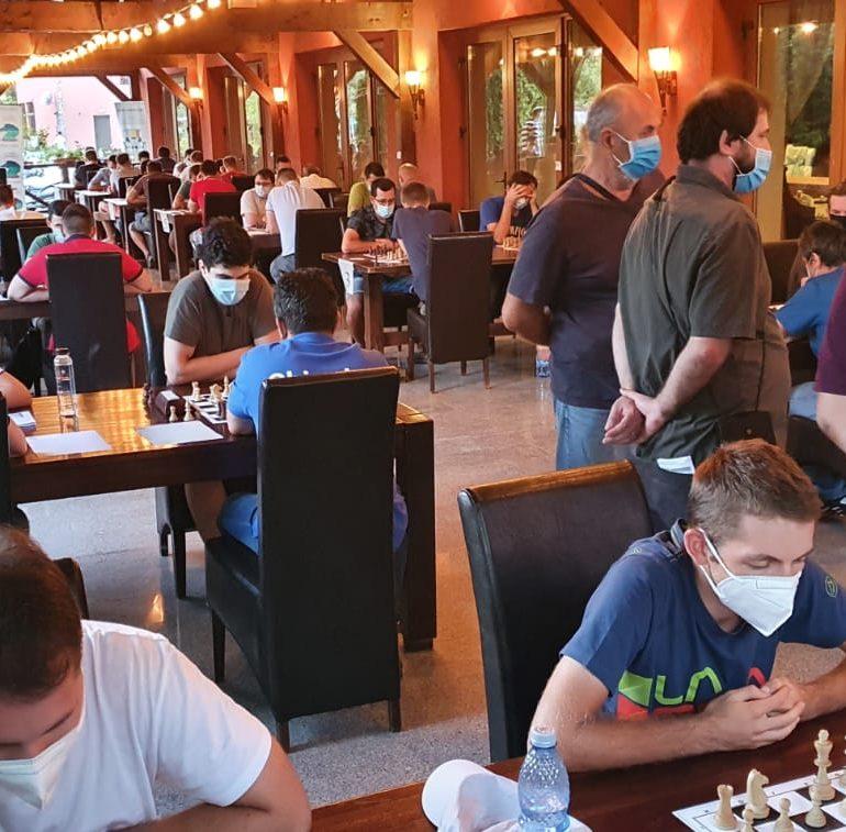 Albaiulianul Mihnea Costachi campion naţional la şah rapid pe echipe cu CSM Baia Mare, club la care are dublă legitimare
