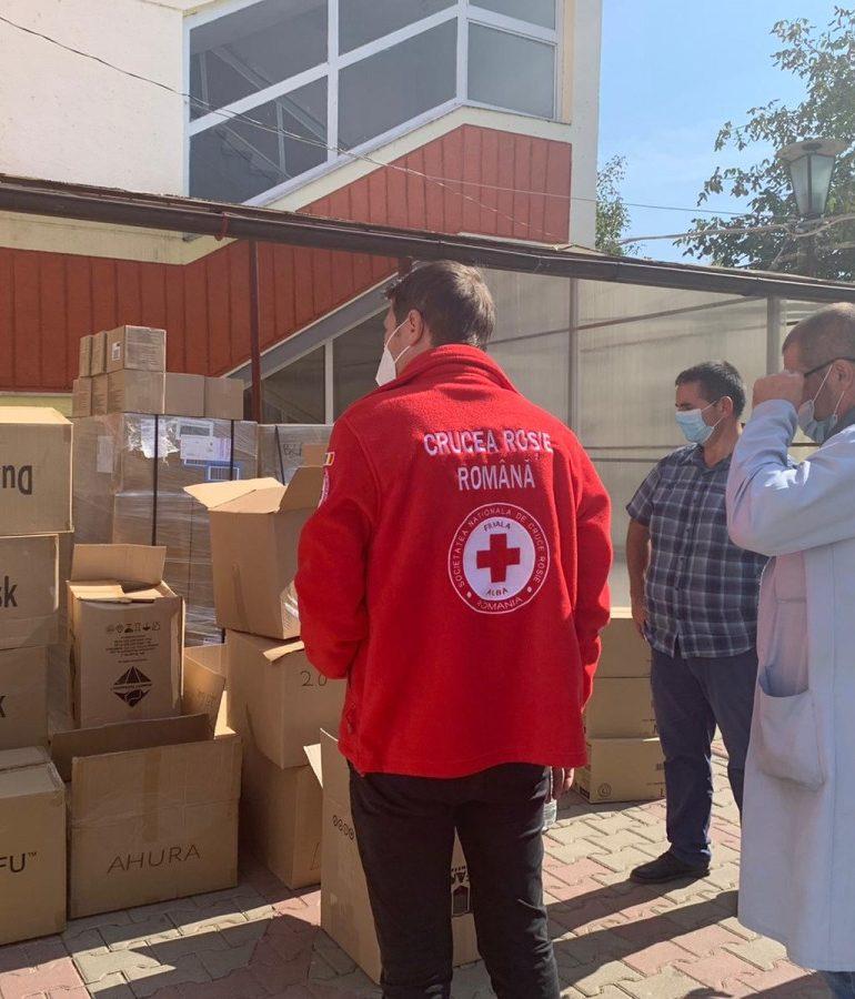 Donaţie de echipamente de protecţie şi dezinfectanţi din partea Crucii Roşii pentru Spitalul municipal Blaj