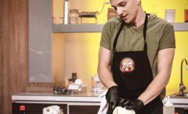 """Cristian Boca, un tânăr bucătar din Aiud este cuțitul de aur al lui Cătălin Scărlătescu la """"Chefi la cuțite""""!"""