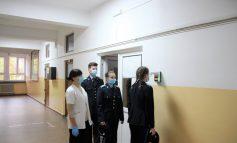 Termometre digitale cu infraroșu, achiziționate pentru măsurarea temperaturii, la Colegiul Militar din Alba Iulia
