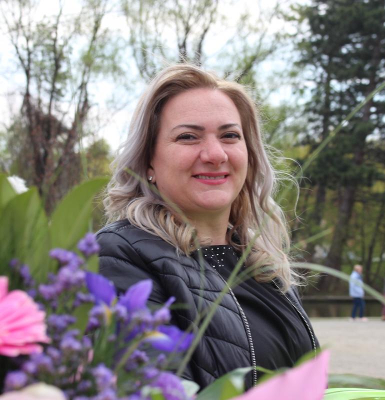 INTERVIU: Edina Ed, educatoarea cu lipici la cei mici