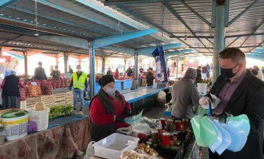 Piața de la Sebeș, care este una deschisă, aerisită, va continua să funcționeze, cu respectarea regulilor și măsurilor sanitare care se impun